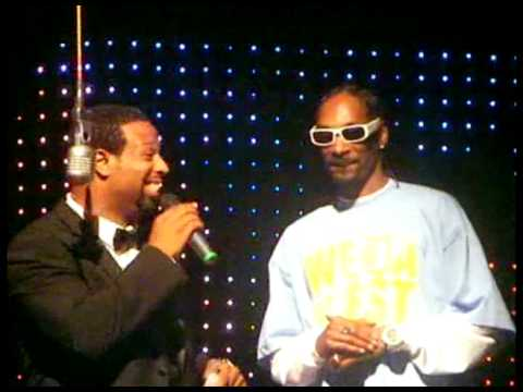 "Iron"" Mike"" Tyson Vs. Snoop Dogg  At ""Fight Night 4""  EA Premiere"