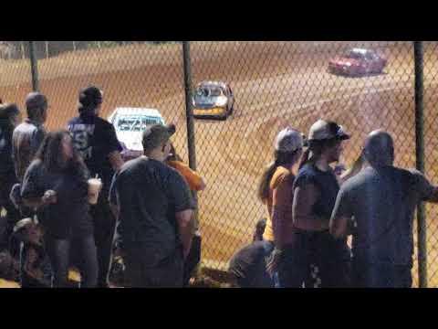 Harris speedway v6 Heat race joey knowles