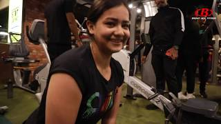 500Rs 💵 PUSH-UP Challenge With GIRLS At GOLD'S GYM | INDIA | BROWN BOY FITNESS Video