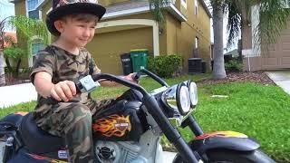Сеня и его Детские профессии и Машинки смотреть онлайн в хорошем качестве бесплатно - VIDEOOO