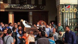 لحظة تشييع جثمان أحمد عبدالوارث من مسجد السيدة نفيسة