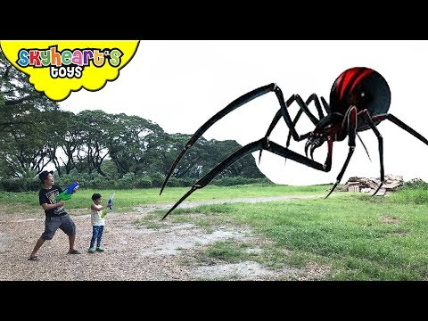 GIANT INSECTS Invasion! Skyheart and Daddy battles huge creatures insects water war