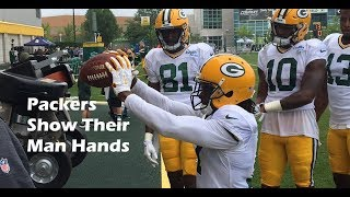 Green Bay Packers receivers show their 'man hands'