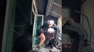 이렇게 시원하게 스쿼트 할 수 있는 헬스장 또 있나요?…