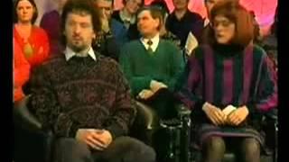 Дебил ржет над инвалидами