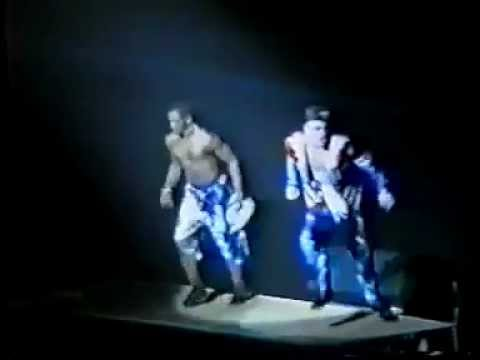 Vanilla Ice - Play That Funky Music   Extremely Live - 1991