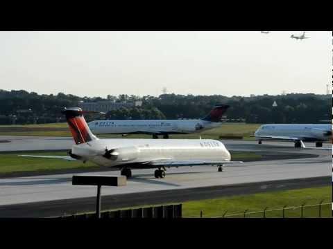 Hartsfield--Jackson Atlanta International Airport runway 09L departures