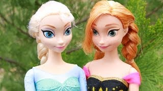 Elsa & Anna GO HIKING on vacation Disney Frozen Barbie Parody Hike in Desert