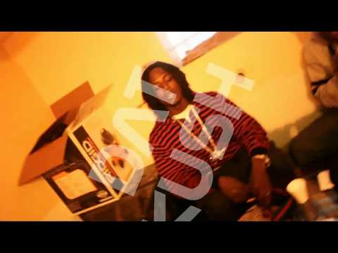 Chief Keef Caught Gettin Head On IPhone5 - YouTube
