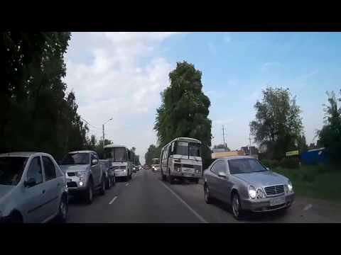 В Воронеже маршрутные ПАЗики массово едут по встречной обочине