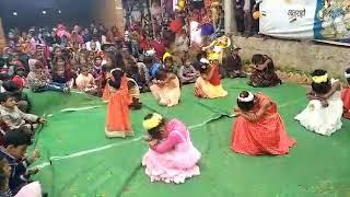 Sabse pyara kon mere papa dance by cute pari
