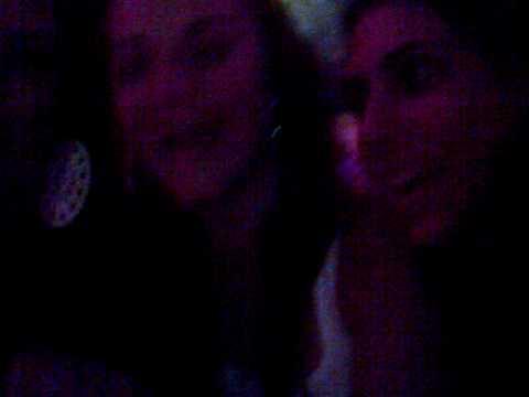 esas niñas en el karaoke ( jmt)