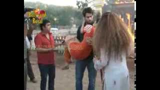 On location of TV Serial 'Madhubala'  RK saves Madhu from fire, gets cured  3