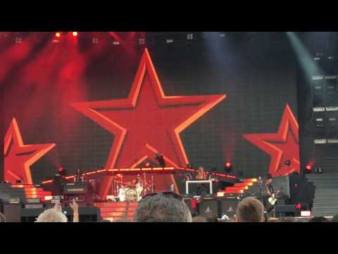 """Guns'N Roses, """"Chinese Democracy"""", Live at Western Springs Stadium, Auckland, New Zealand"""