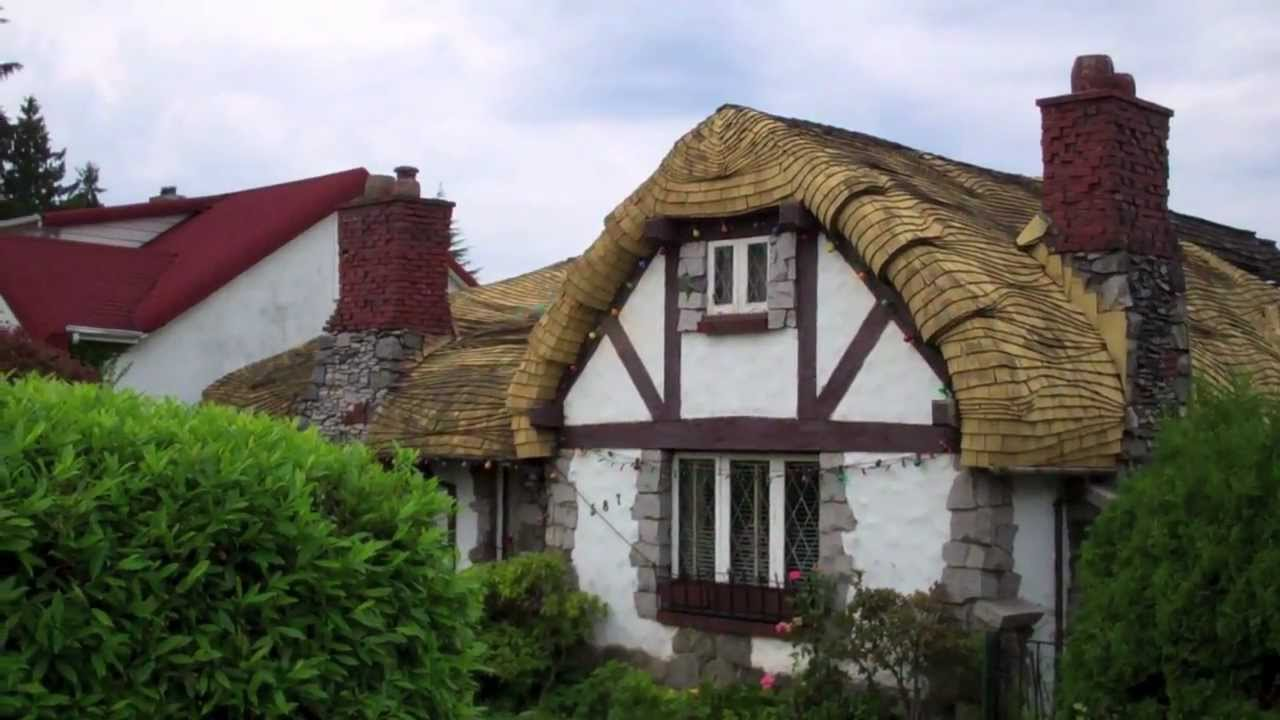 Interesting Houses Curved Roof House With Quaint Old Style
