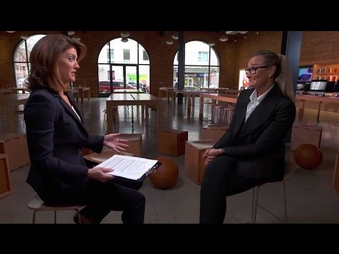Norah O'Donnell Talks To Apple Senior VP Angela Ahrendts About Big Changes