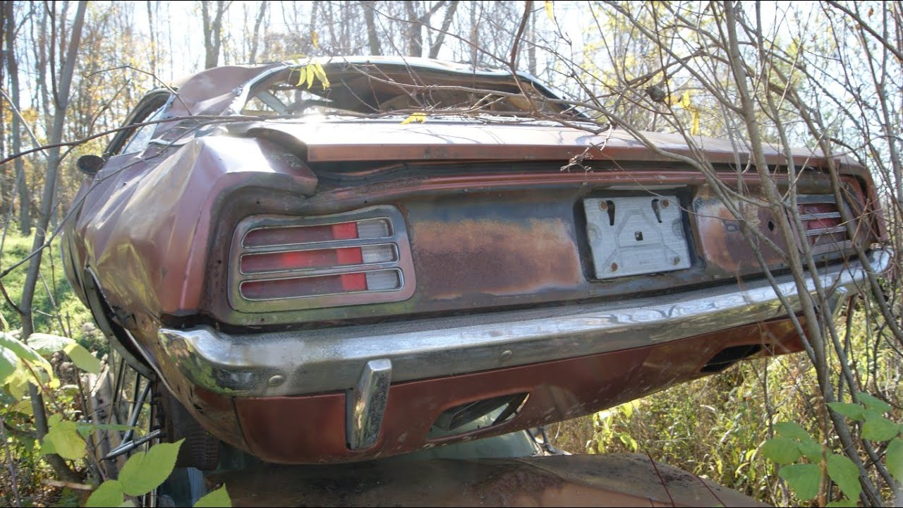 Muscle Car Junkyard Part 16: 70 \'Cuda, 68 Charger, 70 Superbee, 66 ...