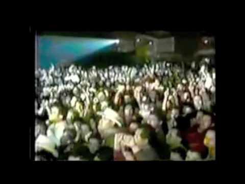 Selena LIVE-Como la Flor/Baila esta Cumbia