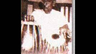 Demonstration of tabla by Ustad Ahmedjan Thirakwa.flv
