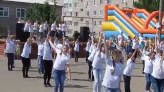Копия видео Яранск. Поют и танцуют дети Школы искусств.