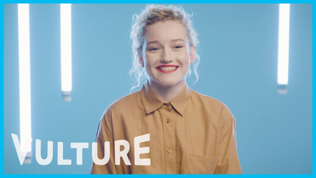 Julia Garner Nude Photos 49