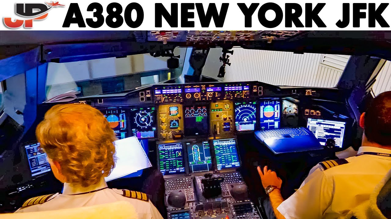 Piloting AIRBUS A380 out of New York | + Full External Walkaround