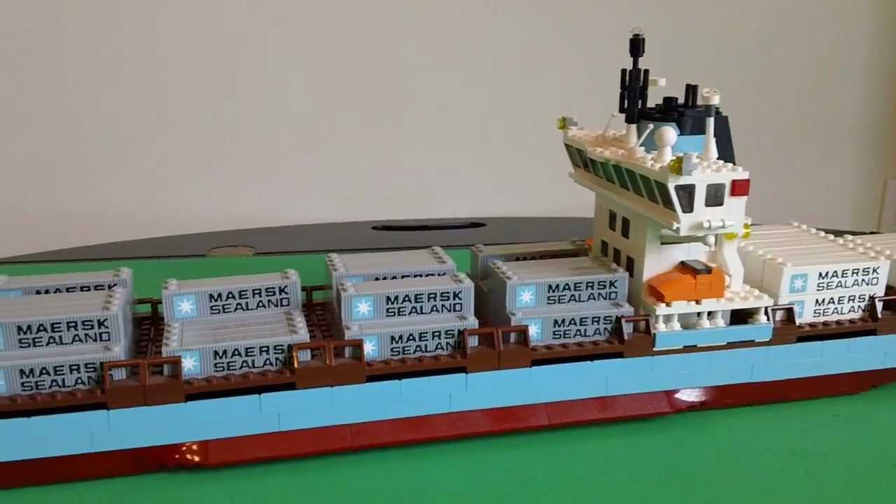 LEGO 10152 (10155) Maersk Sealand Container Ship Review