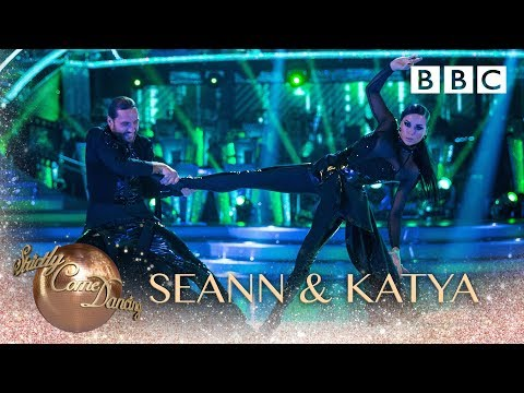Seann Walsh & Katya Jones Paso Doble to 'Matrix Theme' - BBC Strictly 2018