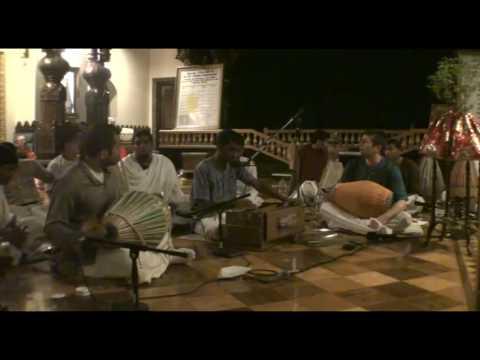 NY Eve Bhajan - Vimul - Hare Krishna - 18/21