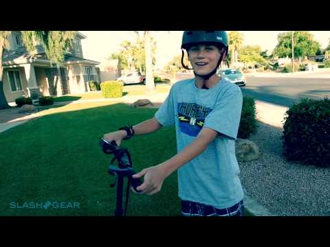EcoReco Electric Scooter hands-on with Josh and Zach
