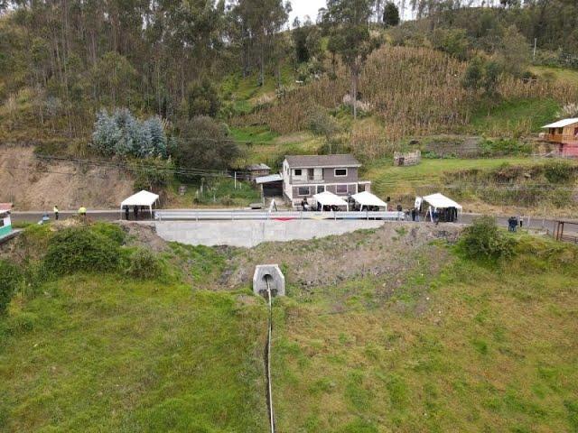 Prefectura del Cañar inauguró muro de contención