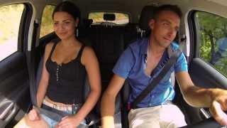 Ljubezen na deželi: Poljub v avtu