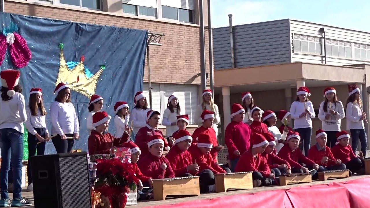 Weihnachten an einer spanische Schule - YouTube