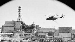 видео Розщеплені на атоми - фільм до 20-ї річниці Чорнобильської катастрофи