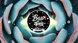 it's different - No Hands (ft. blackbear, MAX & Forever M.C.) [Bass Boosted] Resimi