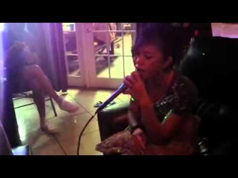 "Neeny X-BAND cover Thai song by ""Takatan"""