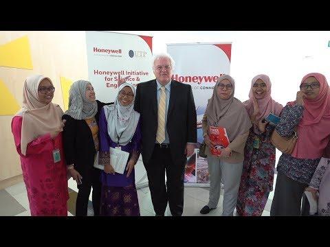 201801 HISE at UTP, Perak, Malaysia, with Nobel Laureate Robert Laughlin