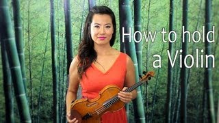 How to Hold a Violin - Lesson with Yoomia Sim