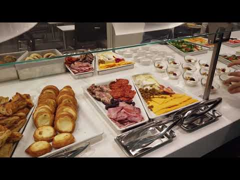 American Airlines Flagship Lounge Miami MIA - Smoked Salmon Breakfast