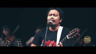 Download lagu PAYUNG TEDUH X YAMAHA LIVE AND LOUD Angin Pujaan Hujan