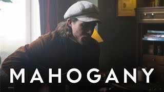 YouTube動画:Andreas Moe - Calling Out (Acoustic) | Mahogany Session