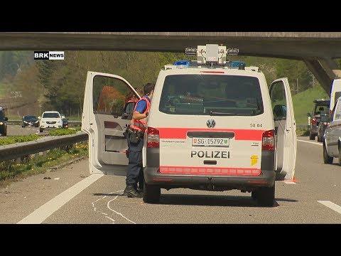 Henau SG: Polizistin auf Autobahn angefahren