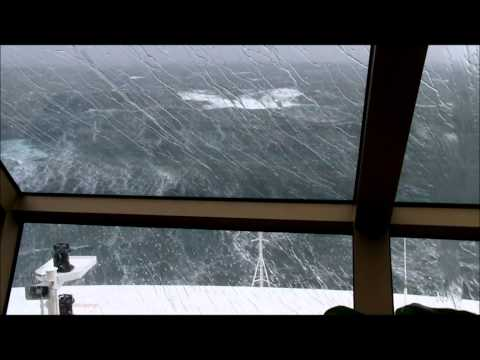 Queen Elizabeth 2011 in an Atlantic Force 11 gale