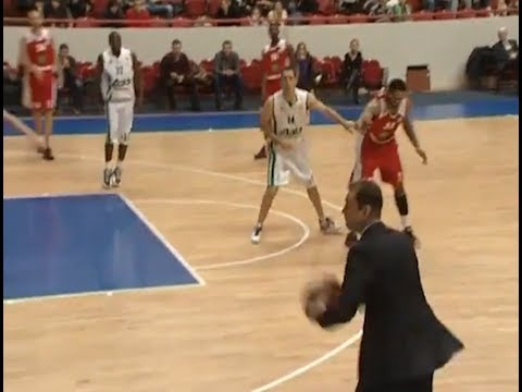 Coach Makes Assist During Game in Russian Basketball League!