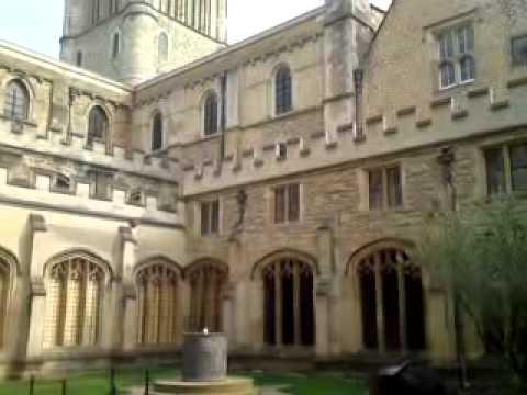 Oxford University Tour - TP LAW UK Study Trip 2011