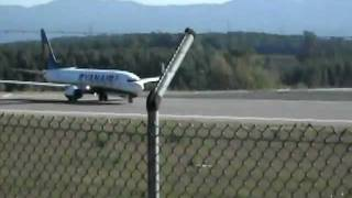 Boeing 737-800 Ryanair Take-Off from Girona Airport (GRO) Very Loud!!