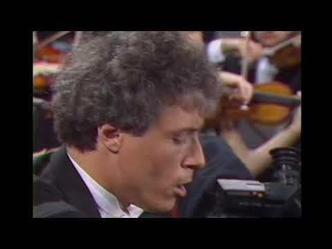 Saint-Saëns Piano Concerto N°2 - Pascal Devoyon