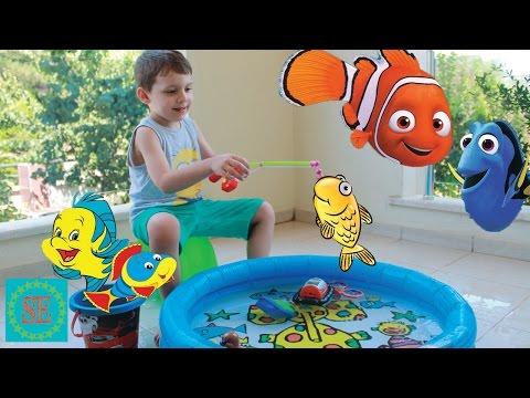 Рыбалка в бассейне Игры для детей Видео для мальчиков Fishing in the pool New toys review for kids