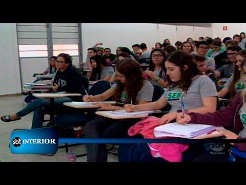 Estudantes se preparam para o ENEM 2017, que tem novidades