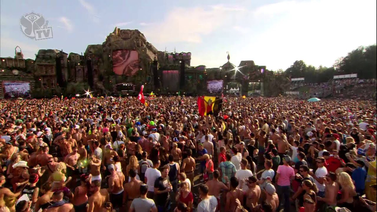 Tomorrowland 2013 - Chuckie - Main Stage - YouTube What A Crowd What A Stage Tomorrowland 2013 In Photos
